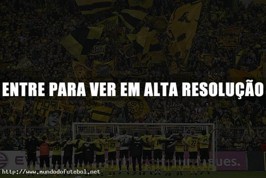 Torcedores do Borussia fazem a festa na vitria por 1 a 0.